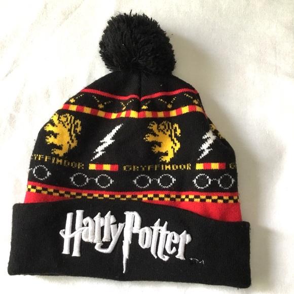 e1f969b843c harry potter Other - Harry Potter Hat Beanie Pom Pom Gryffindor